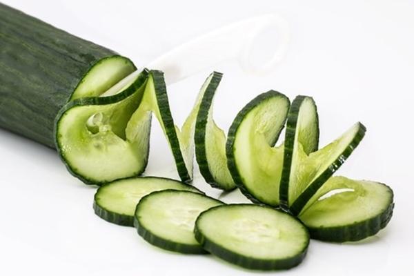 makyaj temizleyici, salatalığın cilde faydaları