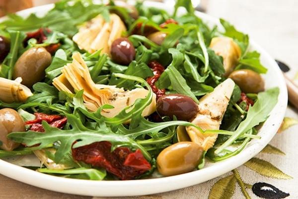 Diyet Salata Tarifleri ( Enginar Salatası )
