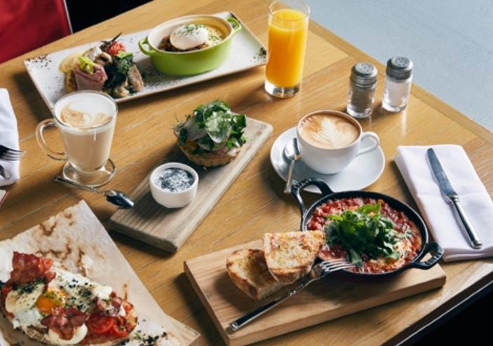 pazar sabahı kahvaltı masası