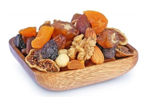 kilo aldıran kuru meyveler
