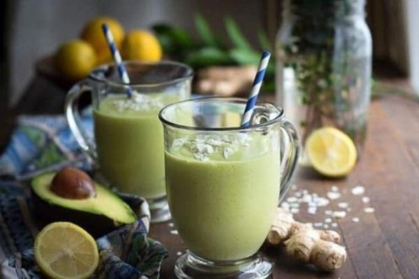 bahar yorgunluğuna iyi gelecek enerji veren smoothie