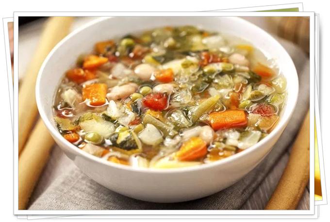 italyan usulü minestrone çorbası