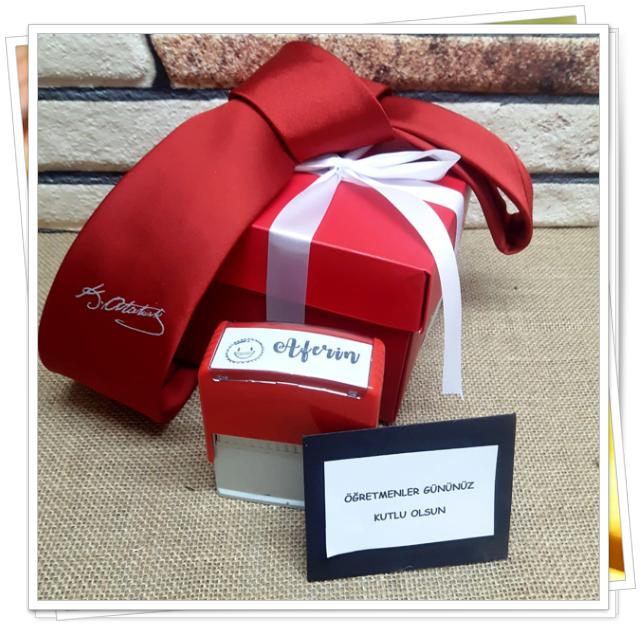 trendyol öğretmenler günü temalı hediye kutusu.