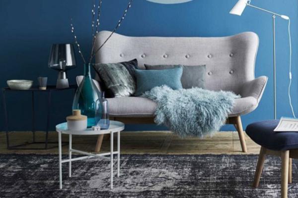 yeni sezon ev dekorasyon renkleri klasik mavi