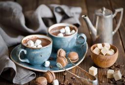 evde sıcak çikolata yapımı