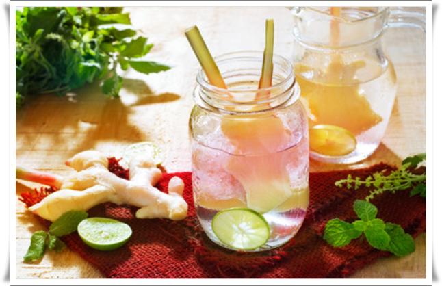 maydanozlu zencefilli detoks suyu